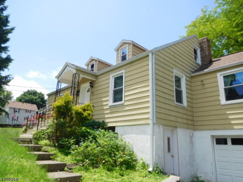 Single Family Home for Sale at 135 S Lincoln Avenue Washington, New Jersey 07882 United States