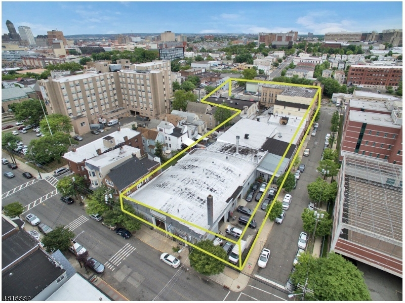 Commercial / Office for Sale at 198 sussex 198 sussex Newark, New Jersey 07103 United States