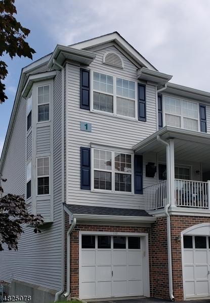 Condo / Casa geminada para Arrendamento às 101 SHEFFIELD Court Denville, Nova Jersey 07834 Estados Unidos