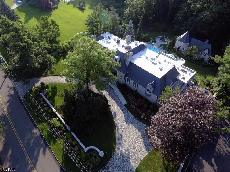 Enfamiljshus för Försäljning vid 75 DEVON Road Essex Fells, New Jersey 07021 Usa