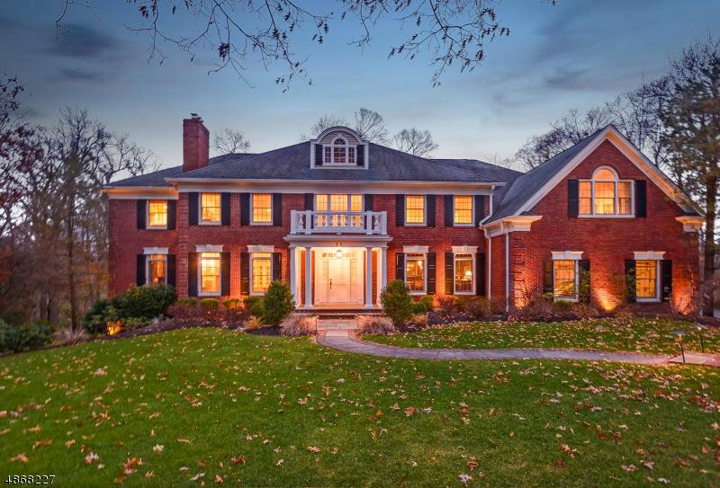 Частный односемейный дом для того Продажа на 22 S DELLWOOD PKY Madison, Нью-Джерси 07940 Соединенные Штаты
