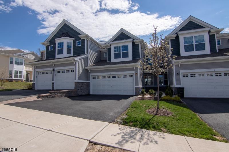 Condo / Townhouse için Satış at 10 LUPINE Lane Allamuchy, New Jersey 07840 Amerika Birleşik Devletleri