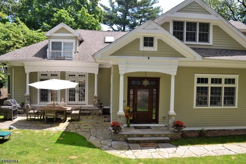 Single Family Homes для того Продажа на Ho Ho Kus, Нью-Джерси 07423 Соединенные Штаты