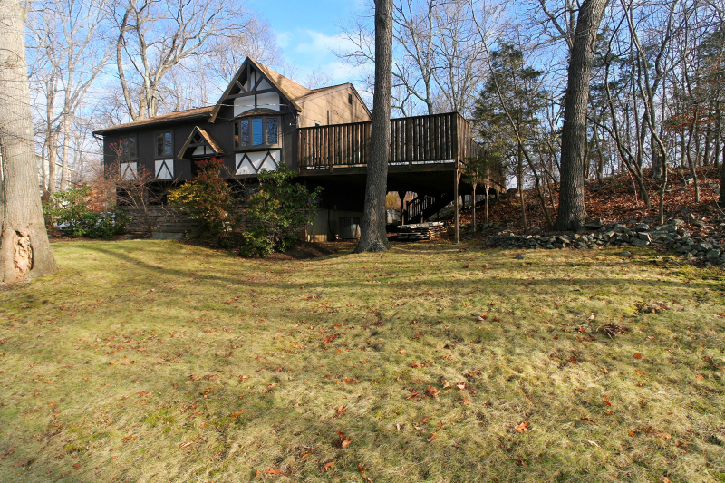 Single Family Home for Sale at 4 The Rotunda Andover, New Jersey 07821 United States