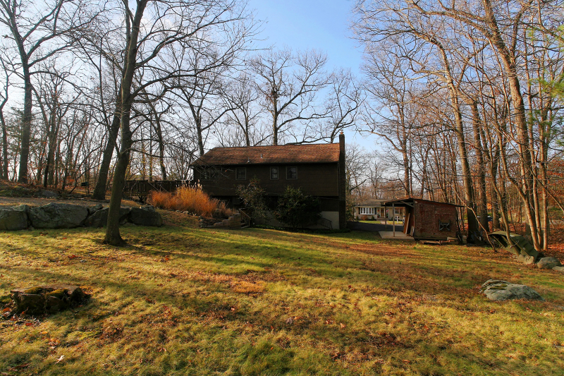 Additional photo for property listing at 4 The Rotunda  Andover, New Jersey 07821 United States
