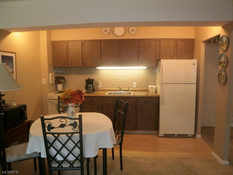 Additional photo for property listing at 255 Tucker Ave, APT 241  Union, 新泽西州 07083 美国