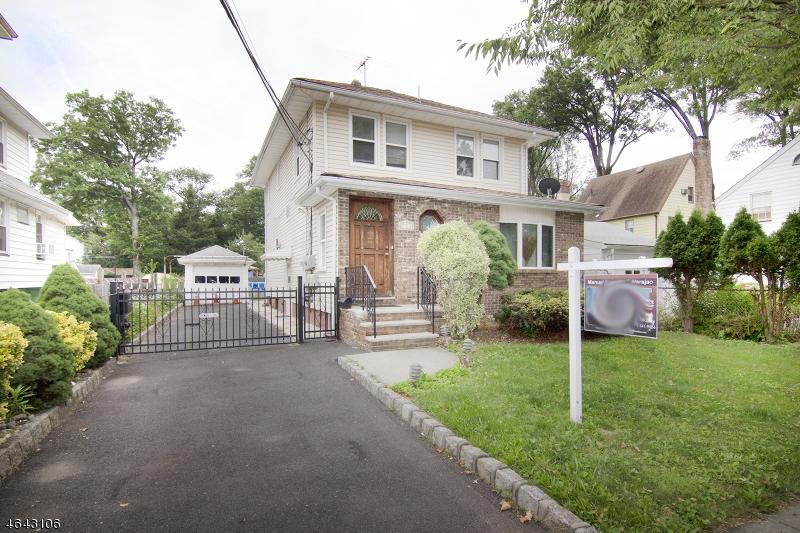 Многосемейный дом для того Продажа на 134 DeWitt Avenue Belleville, Нью-Джерси 07109 Соединенные Штаты