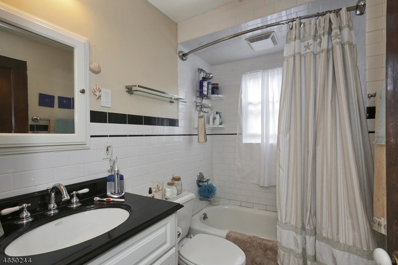 Additional photo for property listing at 758 Central Avenue  韦斯特菲尔德, 新泽西州 07090 美国