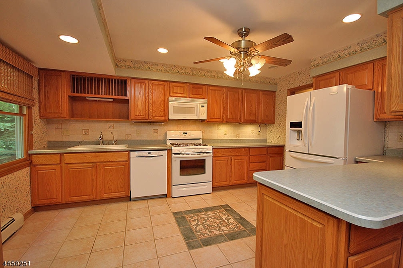 Additional photo for property listing at 18 Up A Way Drive  Sussex, New Jersey 07461 États-Unis