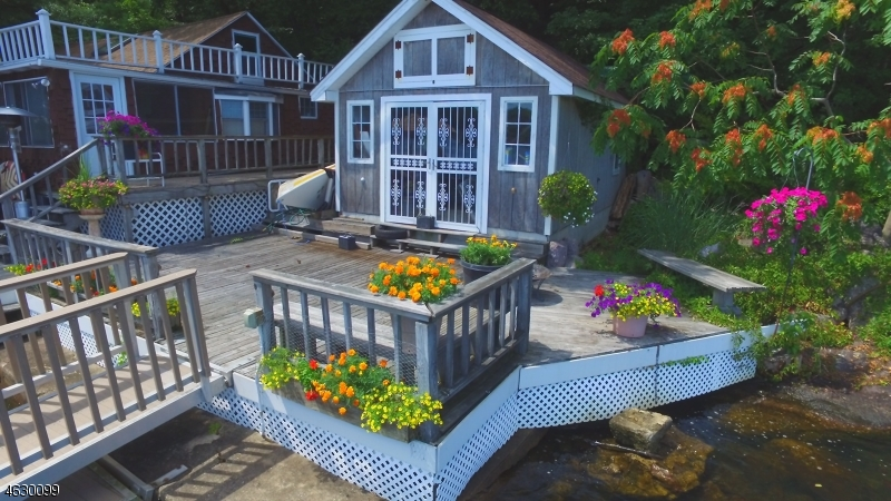 Additional photo for property listing at 44 West Shr  Newfoundland, New Jersey 07435 États-Unis
