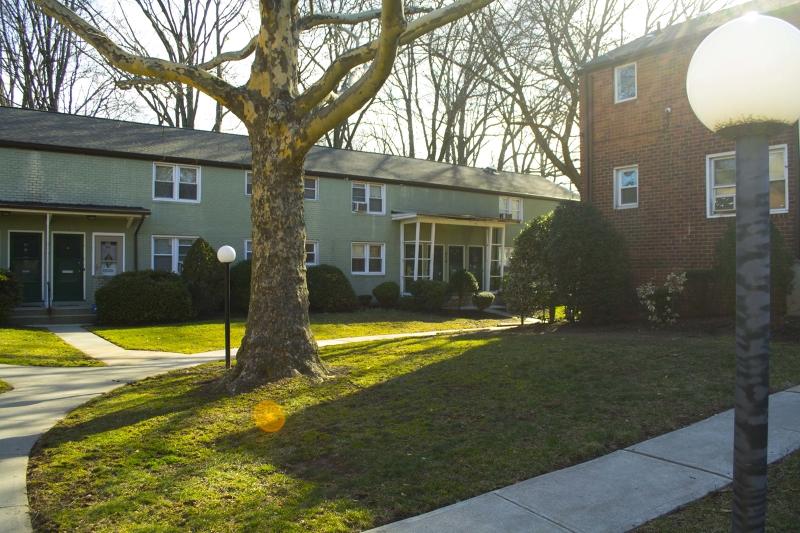 独户住宅 为 销售 在 519 Brooklawn Ave, APT G1 罗塞尔, 新泽西州 07203 美国