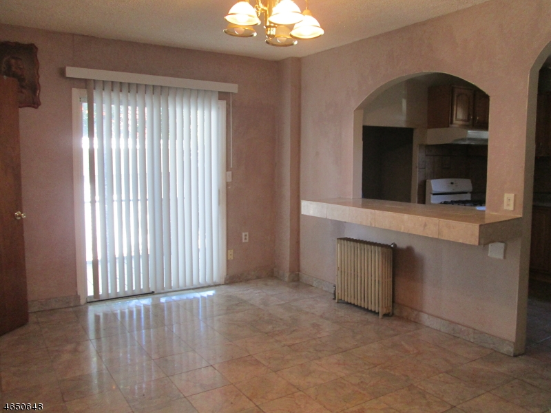 Additional photo for property listing at 12-14 BOYLE Place  Elizabeth, 新泽西州 07202 美国