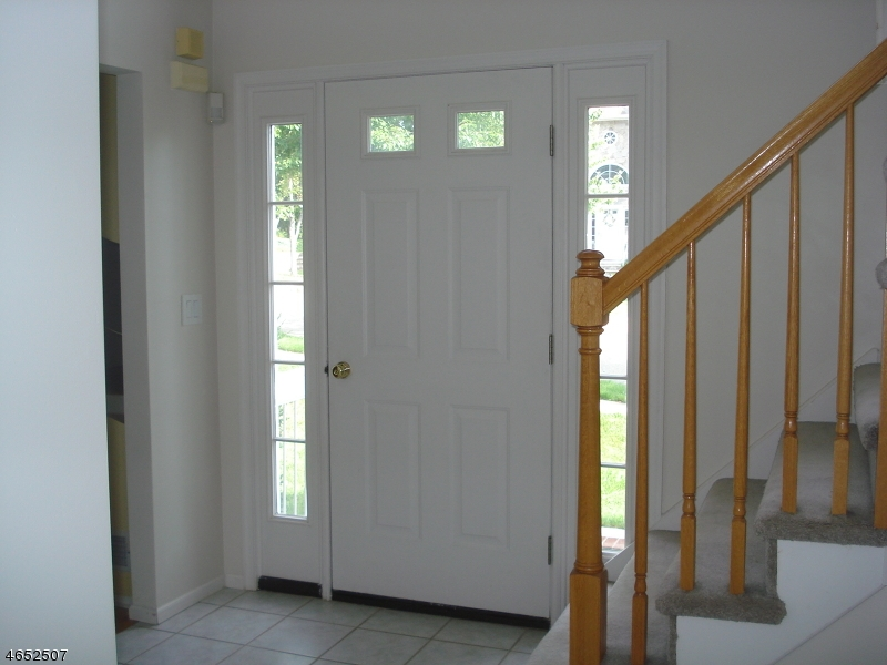 Additional photo for property listing at 72 Fox Chase Lane  Ledgewood, New Jersey 07852 États-Unis
