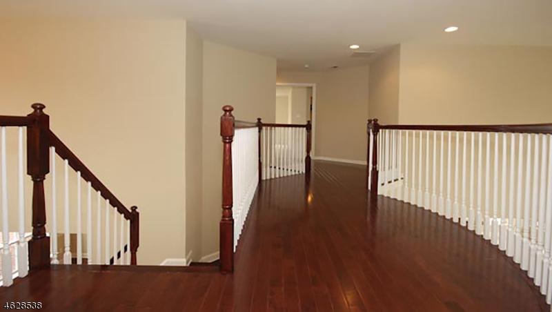 Additional photo for property listing at 40 Walden Place  Basking Ridge, Nueva Jersey 07920 Estados Unidos