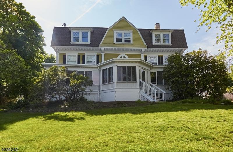 独户住宅 为 销售 在 376 Upper Mountain Avenue 蒙特克莱尔, 新泽西州 07043 美国