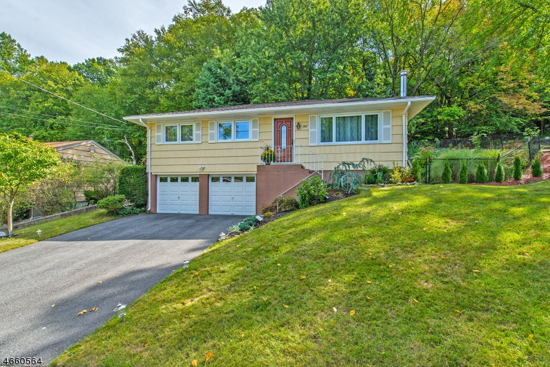 Single Family Home for Sale at 58 Scrivani Drive Wanaque, 07465 United States