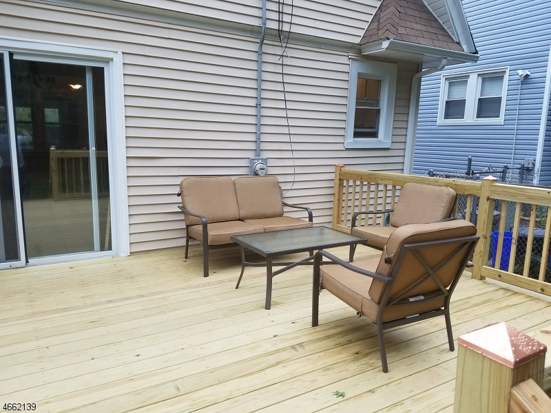 Additional photo for property listing at 61 Burchard Avenue  East Orange, Нью-Джерси 07018 Соединенные Штаты