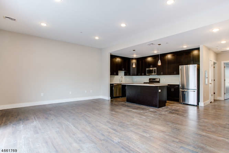 Additional photo for property listing at 59 Willet Street  Bloomfield, New Jersey 07003 United States