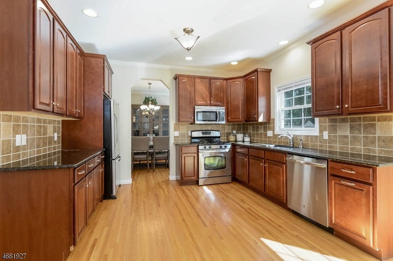 Additional photo for property listing at 908-B LIBERTY Street  Belvidere, 新泽西州 07823 美国