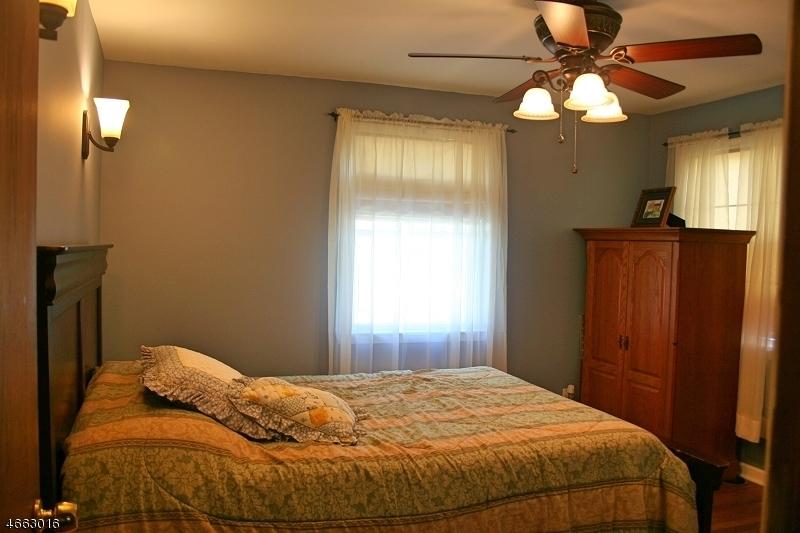 Casa Unifamiliar por un Venta en 541 Mountainview Drive Plainfield, Nueva Jersey 07063 Estados Unidos