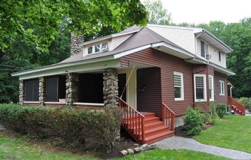 Casa Unifamiliar por un Alquiler en 15 Wyckoff Avenue Ramsey, Nueva Jersey 07446 Estados Unidos