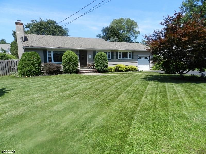 Casa Unifamiliar por un Venta en 12 Lincoln Avenue Pequannock, Nueva Jersey 07444 Estados Unidos