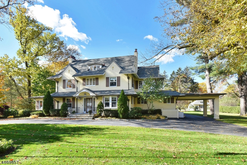 Single Family Home for Sale at 225 Glen Road Woodcliff Lake, New Jersey 07677 United States