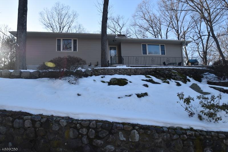 Частный односемейный дом для того Продажа на 58 Highland Avenue Riverdale, Нью-Джерси 07457 Соединенные Штаты