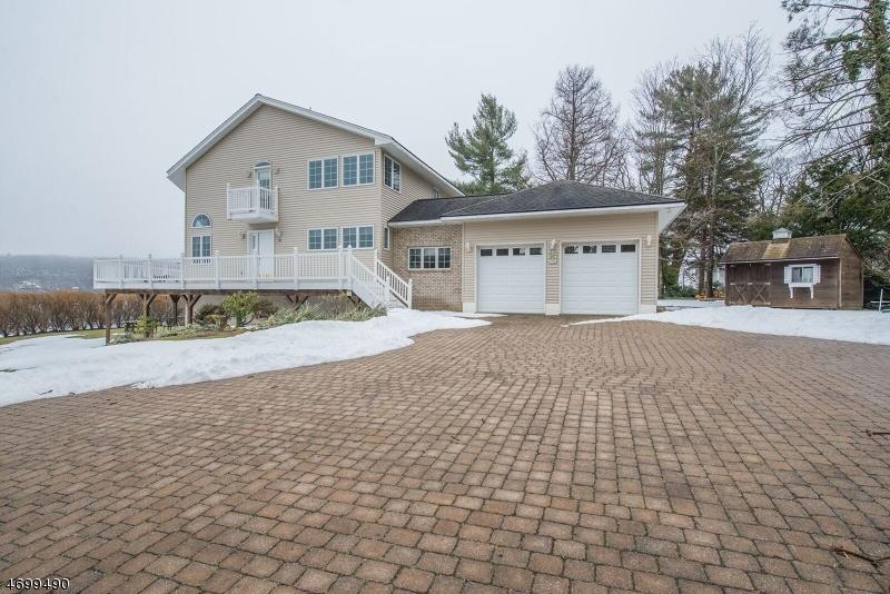 Частный односемейный дом для того Продажа на 38 Somerville Road West Milford, 07421 Соединенные Штаты