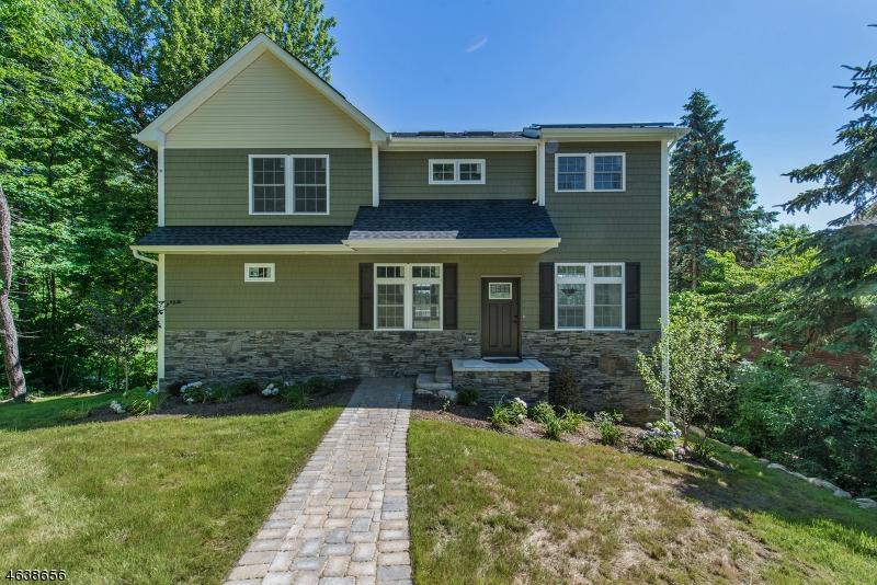 独户住宅 为 销售 在 403 E Lakeshore Drive 弗农, 07422 美国