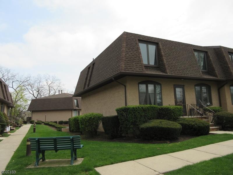 Maison unifamiliale pour l à louer à 24 River Rd unit 1 Clifton, New Jersey 07014 États-Unis