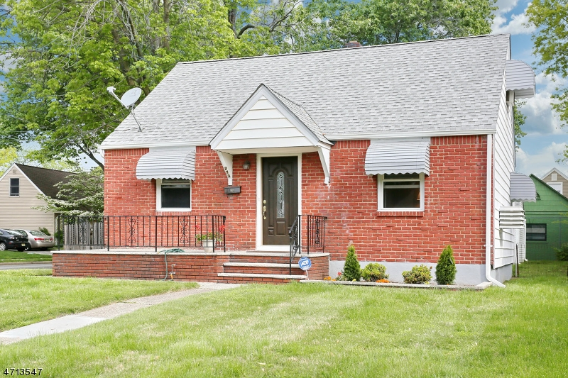 Single Family Home for Sale at 273 Wilson Street Saddle Brook, New Jersey 07663 United States