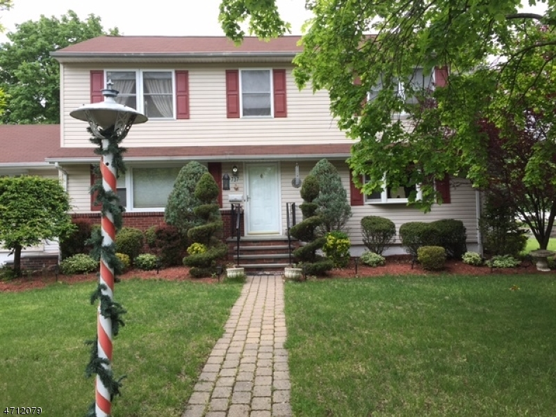 Single Family Home for Rent at 737 Lafayette Street Paramus, New Jersey 07652 United States