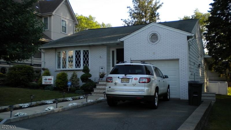 Casa Unifamiliar por un Venta en 222 Harrison Avenue Hasbrouck Heights, Nueva Jersey 07604 Estados Unidos