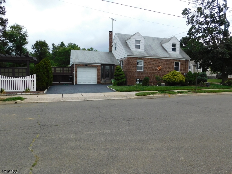 Maison unifamiliale pour l Vente à 265 Henley Avenue New Milford, New Jersey 07646 États-Unis