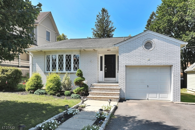 Single Family Home for Sale at 222 Harrison Avenue Hasbrouck Heights, New Jersey 07604 United States