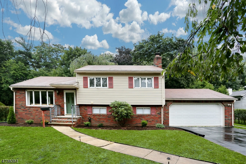 Single Family Home for Sale at 42 Sycamore Drive Waldwick, New Jersey 07463 United States
