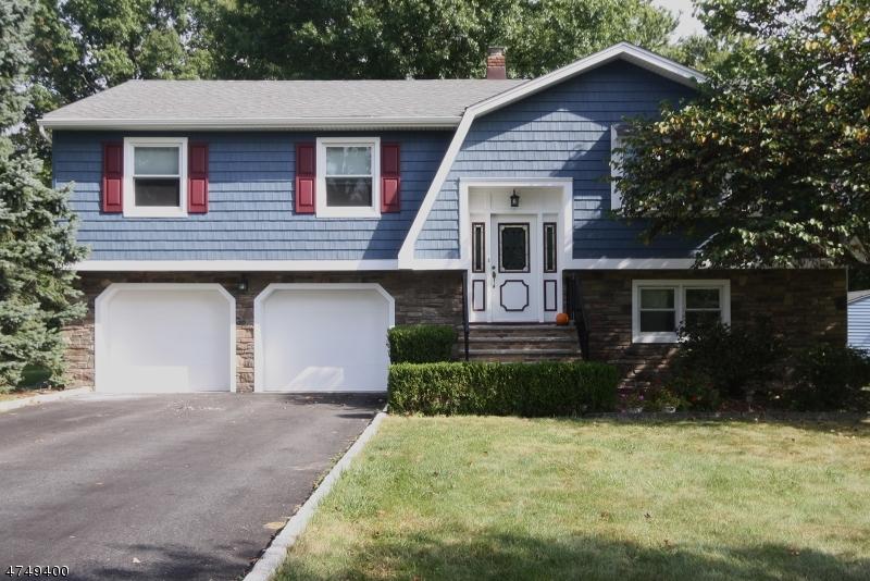 Casa Unifamiliar por un Alquiler en 60 Troy Meadow Road Parsippany, Nueva Jersey 07054 Estados Unidos