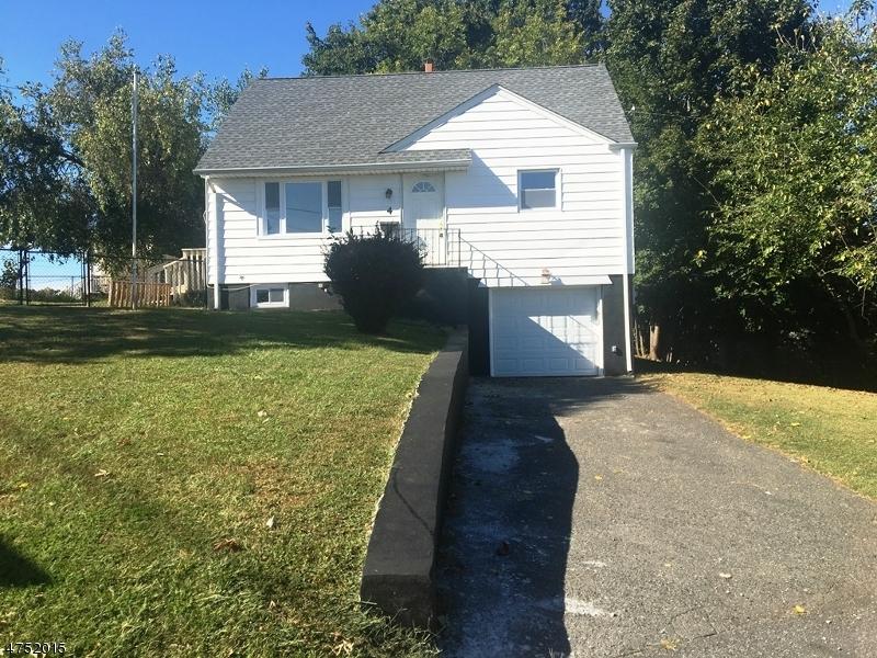 一戸建て のために 売買 アット 4 Streetanley Street 4 Streetanley Street Clifton, ニュージャージー 07013 アメリカ合衆国