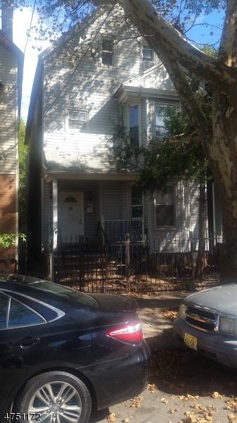 多戶家庭房屋 為 出售 在 311 7th Ave W Newark, 新澤西州 07107 美國