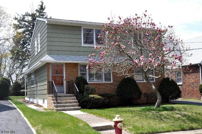 Maison unifamiliale pour l à louer à 31 AKA 33 Guenther Place Passaic, New Jersey 07055 États-Unis