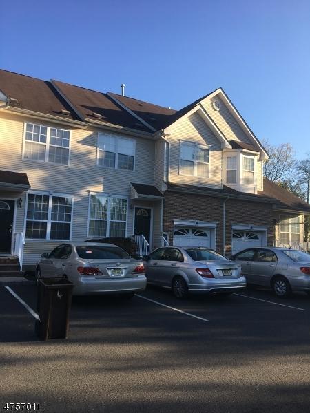 Casa Unifamiliar por un Alquiler en 4 Saddle Court Franklin, Nueva Jersey 08873 Estados Unidos