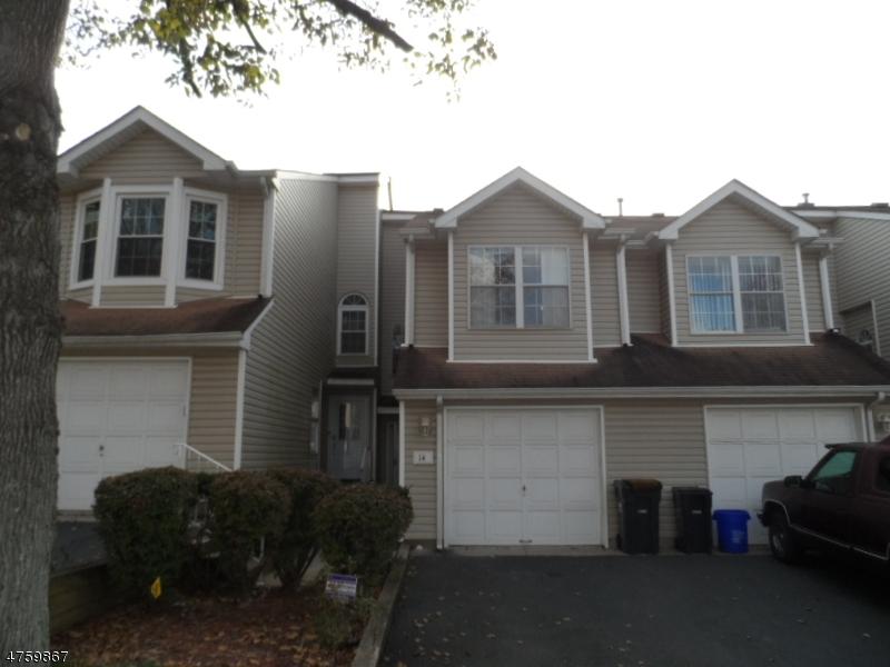 Casa Unifamiliar por un Alquiler en 14 Depalma Court Franklin, Nueva Jersey 08873 Estados Unidos
