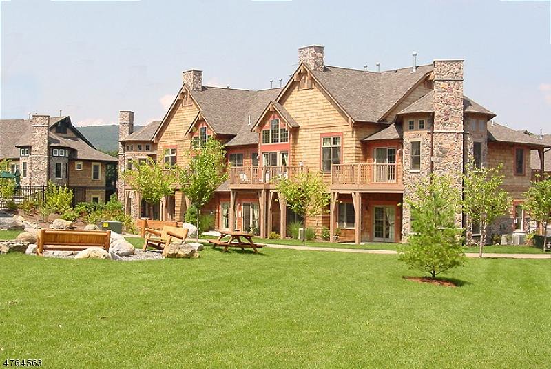 Частный односемейный дом для того Аренда на 6-13 Maple Crescent Vernon, Нью-Джерси 07462 Соединенные Штаты