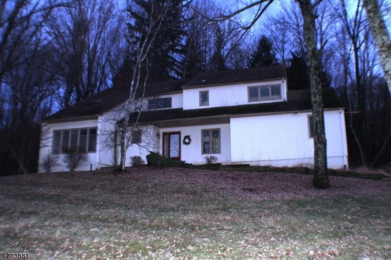 Частный односемейный дом для того Аренда на 23 Turtleback Rd, FL Washington, Нью-Джерси 07830 Соединенные Штаты