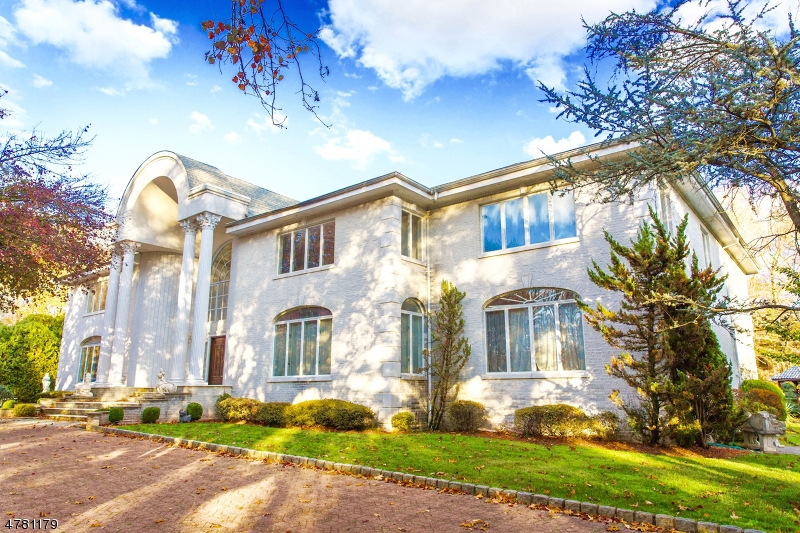 Single Family Home for Sale at 519 Eastgate Rd 519 Eastgate Rd Ho Ho Kus, New Jersey 07423 United States