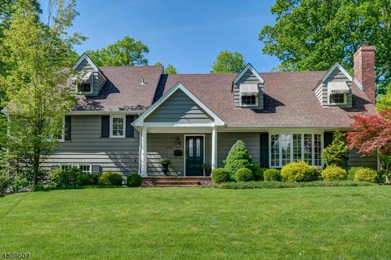 Casa Unifamiliar por un Alquiler en 994 WOODMERE Drive Westfield, Nueva Jersey 07090 Estados Unidos