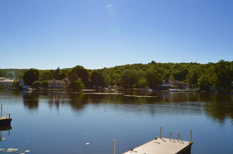 独户住宅 为 销售 在 27 WINONA Trail Jefferson Township, 新泽西州 07849 美国