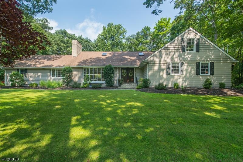 Casa Unifamiliar por un Venta en 465 LAUREL Lane Kinnelon, Nueva Jersey 07405 Estados Unidos
