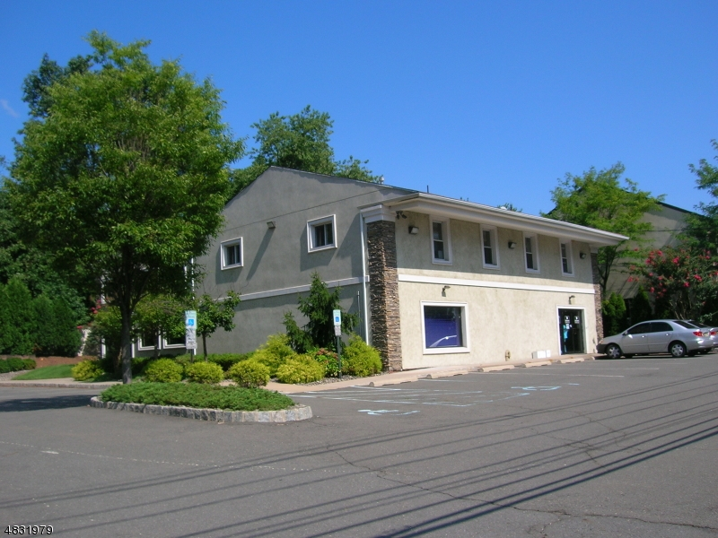 Commercial for Sale at 180 NJ-27 (Lincoln Hwy) Edison, New Jersey 08820 United States